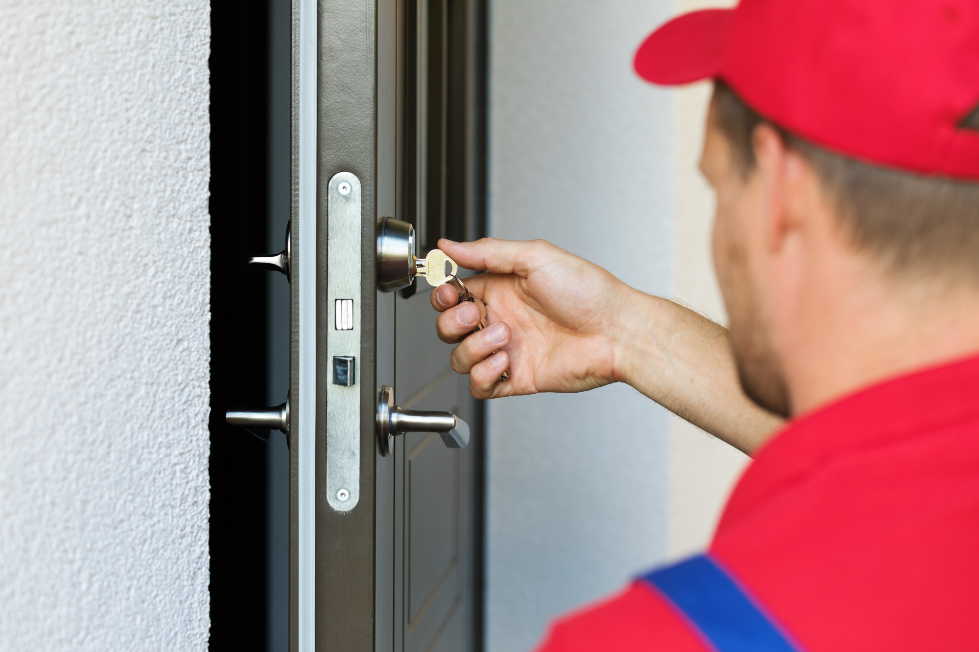 The Top Signs You Need to Call a Professional Locksmith | Tracy ...